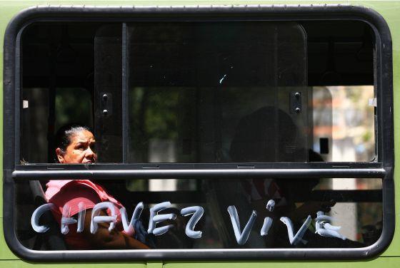 607147Chávez Vive